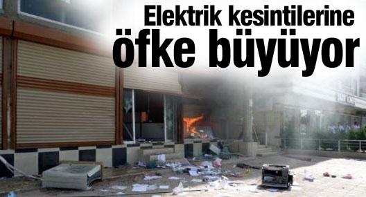 Elektrik kesintilerine öfke büyüyor