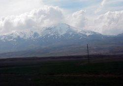 Dağ ve Kürt diyalektiği