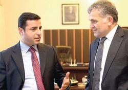 Demirtaş: Öcalan aslında süreci Kandil'den daha sert eleştiriyor