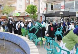 Cizreli kadınlardan kaldırım işgaline tepki