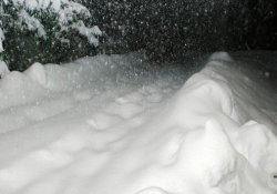Kar kalınlığı bir metreyi geçti