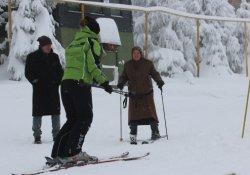 Kayak merkezinin en renkli çifti