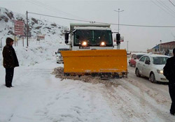 Erciş'te yolların çoğu açıldı