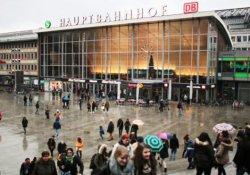 Köln'de yılbaşı gecesi toplu taciz krizi
