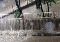 Ankara'da sağanak sele dönüştü!