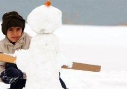 Kars'da okullara kar tatili!