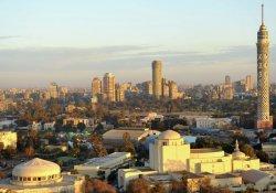 Mısır'da turist otobüsüne ateş açıldı