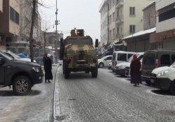 Sur'da patlama:4'ü asker 5 yaralı