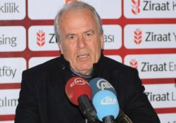 Mustafa Denizli: 'Transferde ilaveler olabilir'