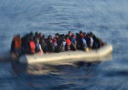 Mülteci botu battı: 3'ü çocuk 4 ölü!