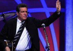 Eagles'ın kurucusu ve gitaristi Glenn Frey öldü