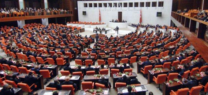Anayasa teklifinin üçüncü maddesi kabul edildi
