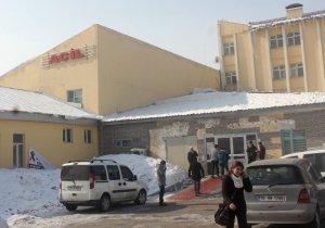 Ağrı'da öğrenci servisiyle halk otobüsü çarpıştı: 8 yaralı