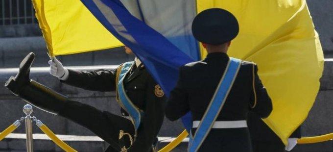 Ukrayna'ya pasaportsuz seyahat onaylandı