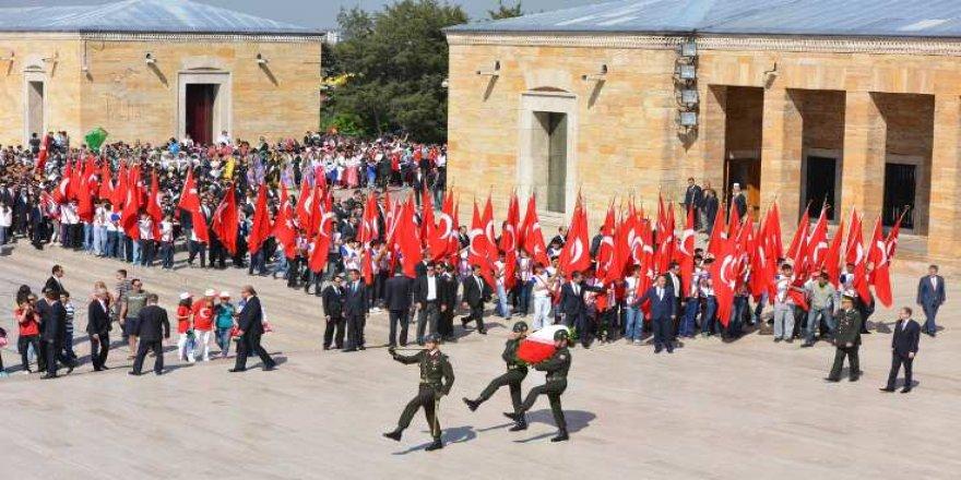 19 Mayıs törenleri Anıtkabir'den başladı