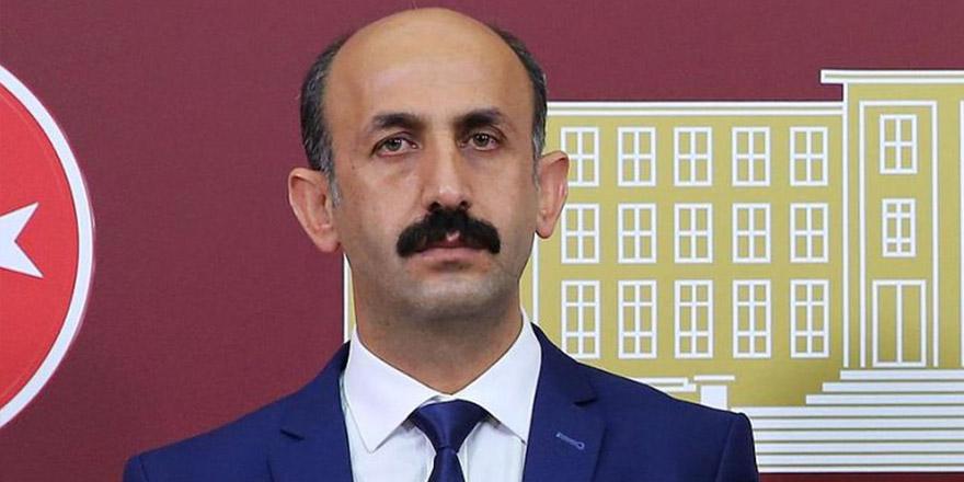 Akdoğan, Yüksekova'daki TOKİ'leri sordu