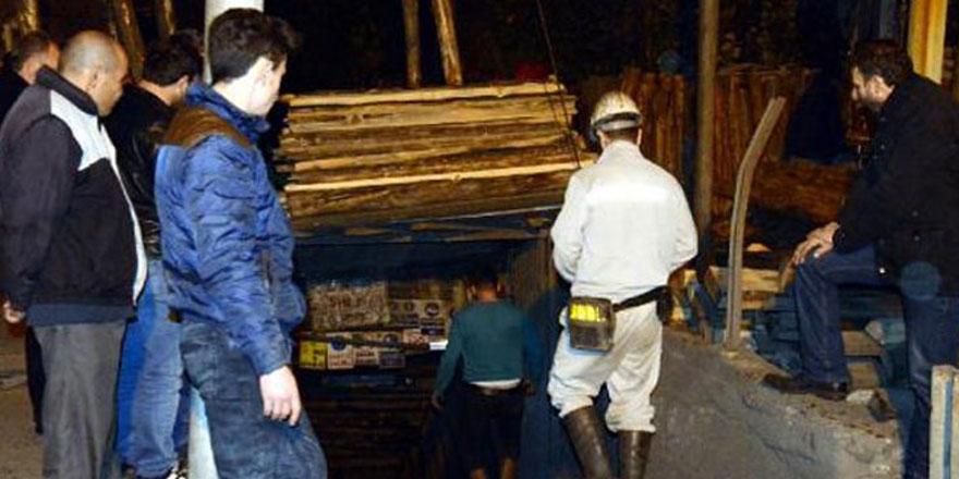Madende göçük: 2 madenci mahsur kaldı