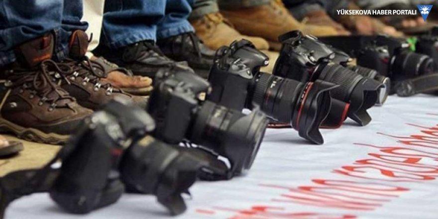 'Fotoğraf makinesi ve kameramızı kamufle ederek çalışabiliyoruz'