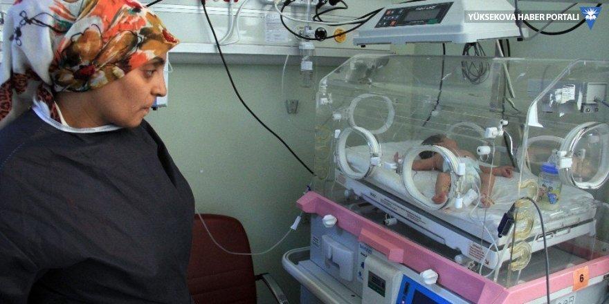 Hakkari'de bir haftalık bebeğin kanı değiştirildi