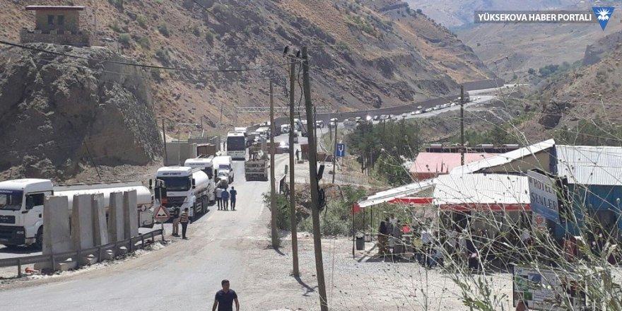 HDP'li Sait Dede, Yeniköprü'deki araç kuyruklarını Meclis'e taşıdı
