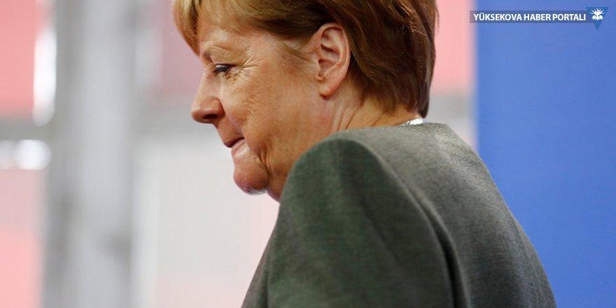 G20 Zirvesi'ne geciken Merkel tarifeli uçakla Arjantin'e ulaştı