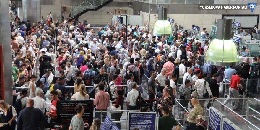 Havaalanlarında ve otogarlarda bayram rekoru