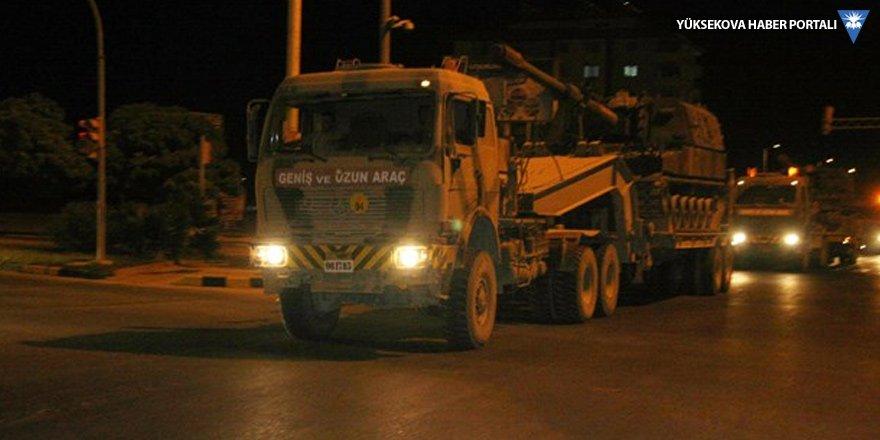 Hatay'dan sınıra askeri araç sevkiyatı