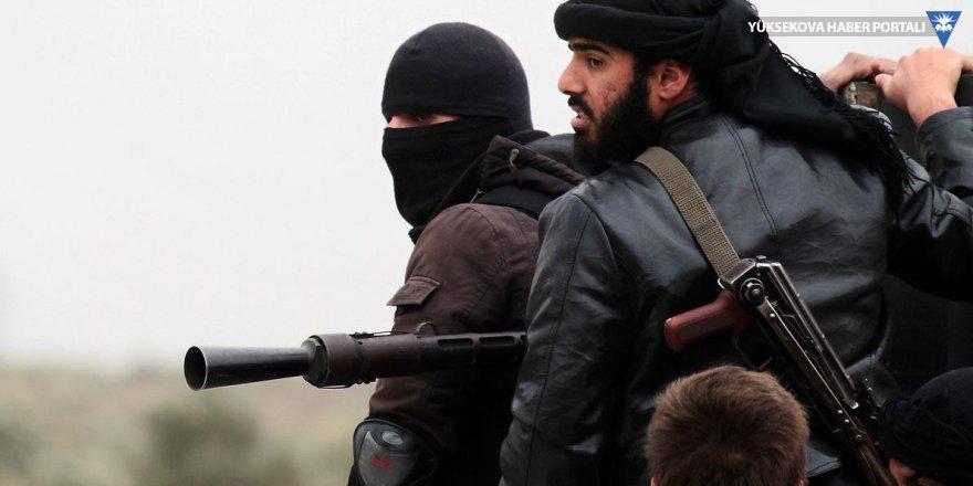 El Nusra'dan İdlib'de geri adım