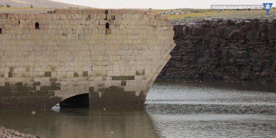 Suları çekildi Nerkin Çrap ortaya çıktı