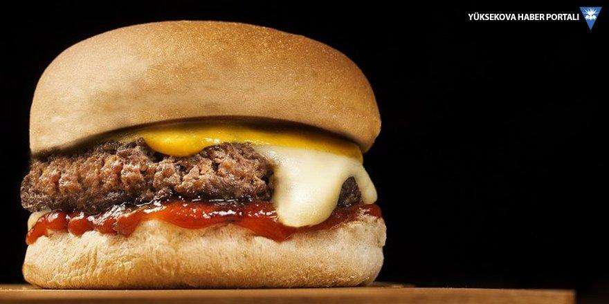 Hamburgerde etin adı var kendi yok
