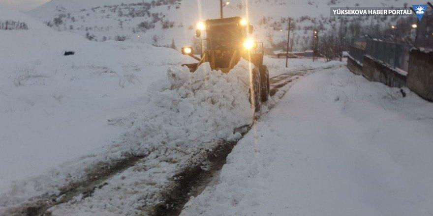 Hakkari'de 32 köy yolu ulaşıma kapandı