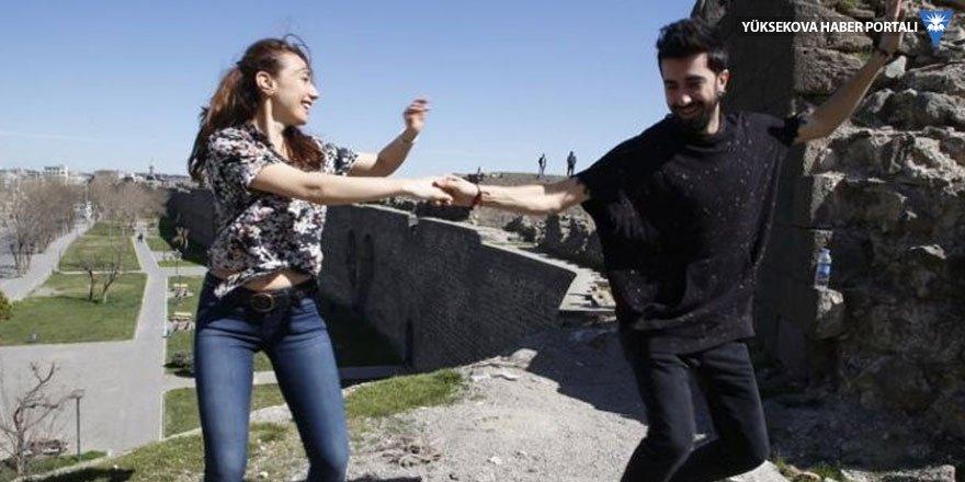 Diyarbakır'da davullu zurnalı swing