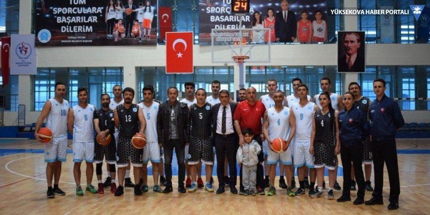 Hakkari'de 'Veteranlar Basketbol Turnuvası' başladı