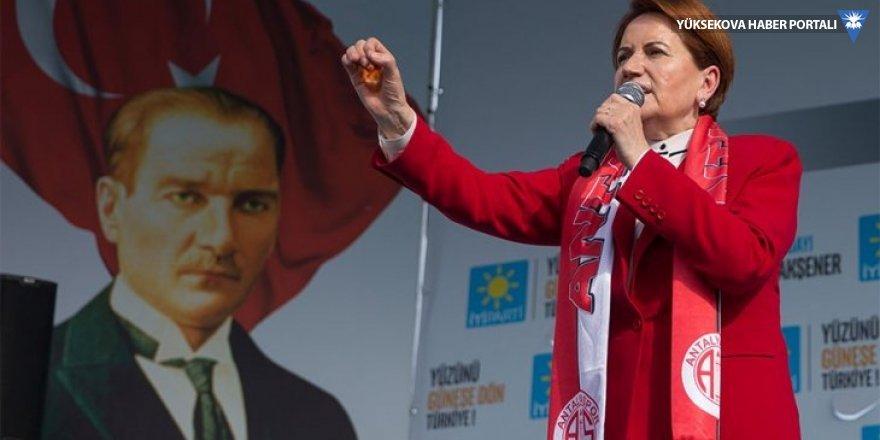 Meral Akşener: Sizi fakirleştirenleri evinize almayın