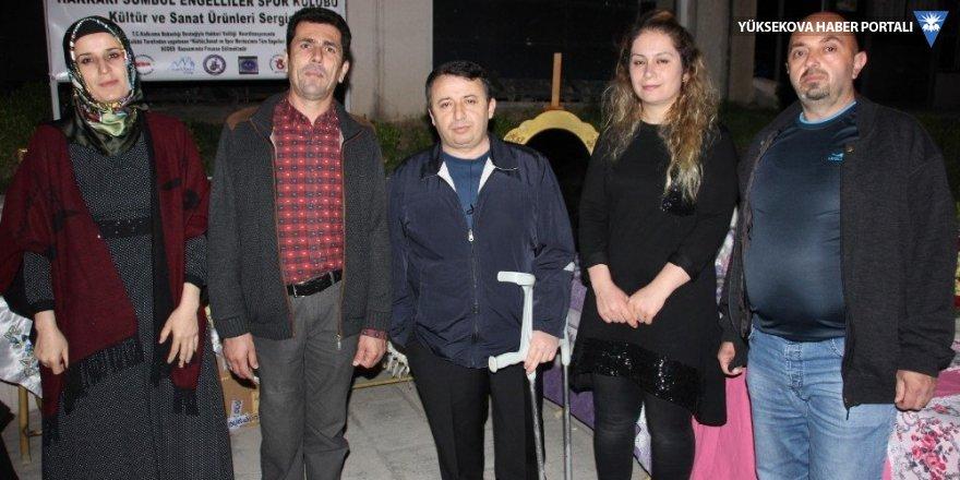 Engelliler derneğinden yıl sonu sergisi