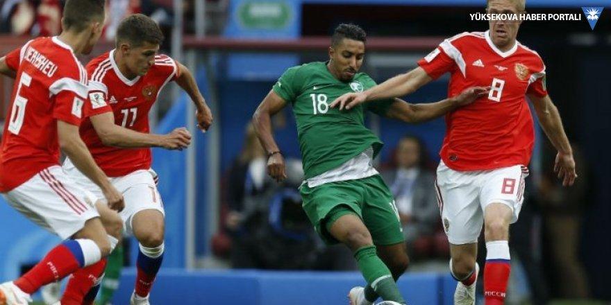 Dünya Kupası'nda Rusya açılışı 5 golle yaptı