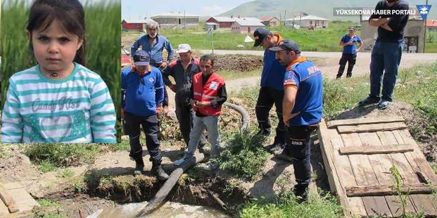 Leyla'yı arayan ekipler köydeki ana foseptiği boşalttı