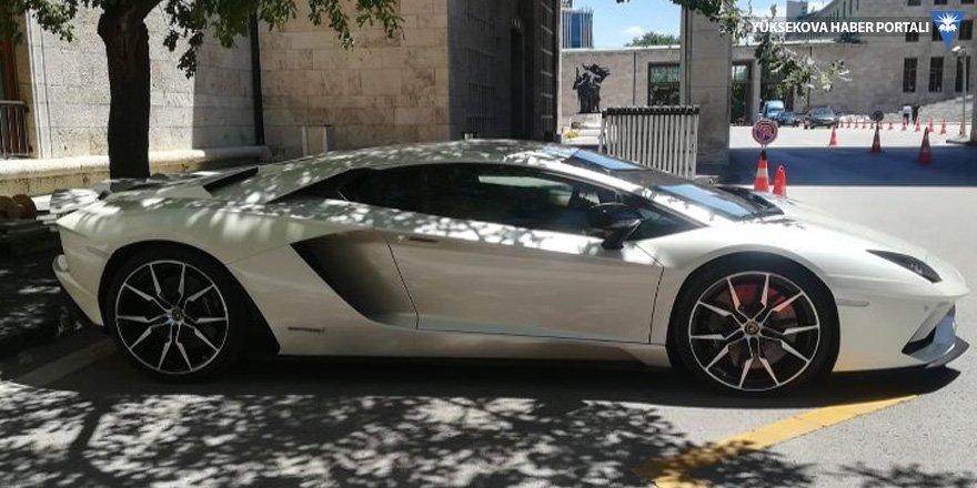 Lamborghini'sini satan milletvekili