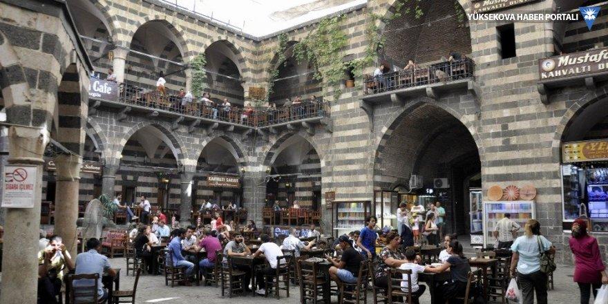 Diyarbakır'da sıcakla mücadele yöntemleri!