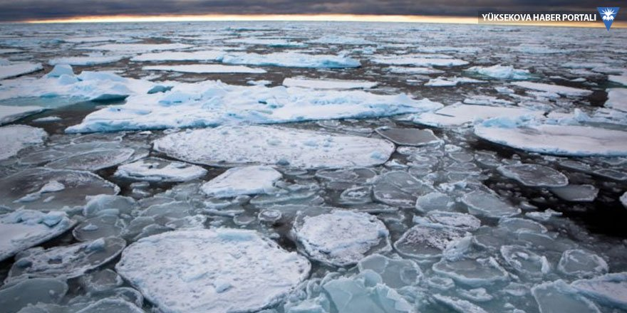 En büyük buzullar parçalanıyor!