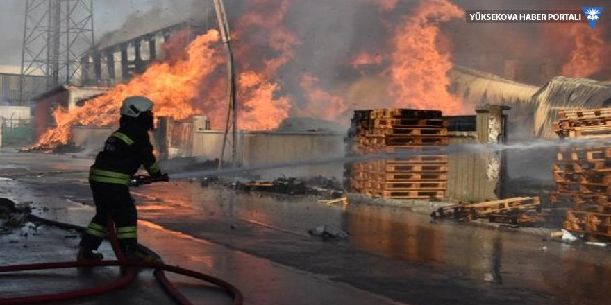 Konya kereste fabrikasında yangın!