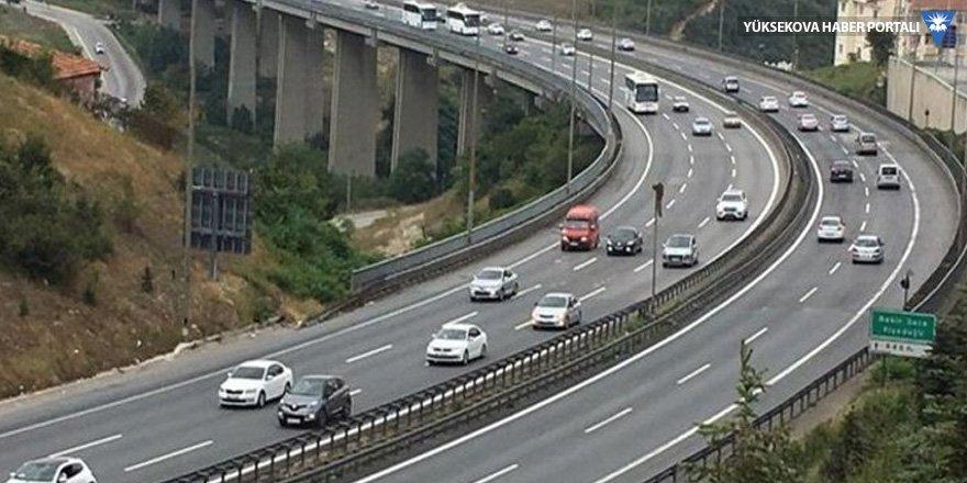 İstanbul'a dönüş yoğunluğu sürüyor
