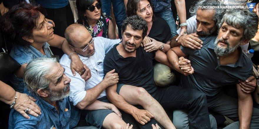 Vekiller Arat Dink'in gözaltına alınmasına engel oldu