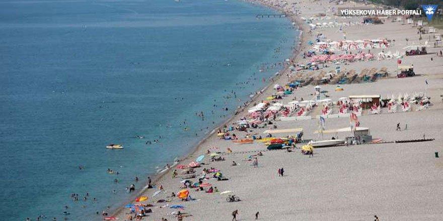 Antalya 400 bin kişiyi ağırladı