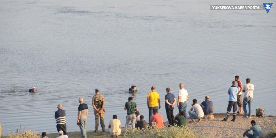 İki işçi nehirde kayboldu