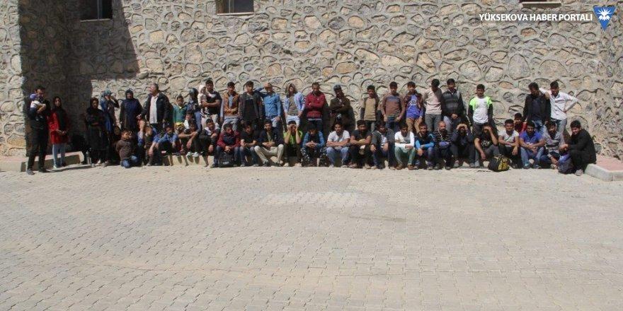 Başkale'de 75 kaçak şahıs yakalandı
