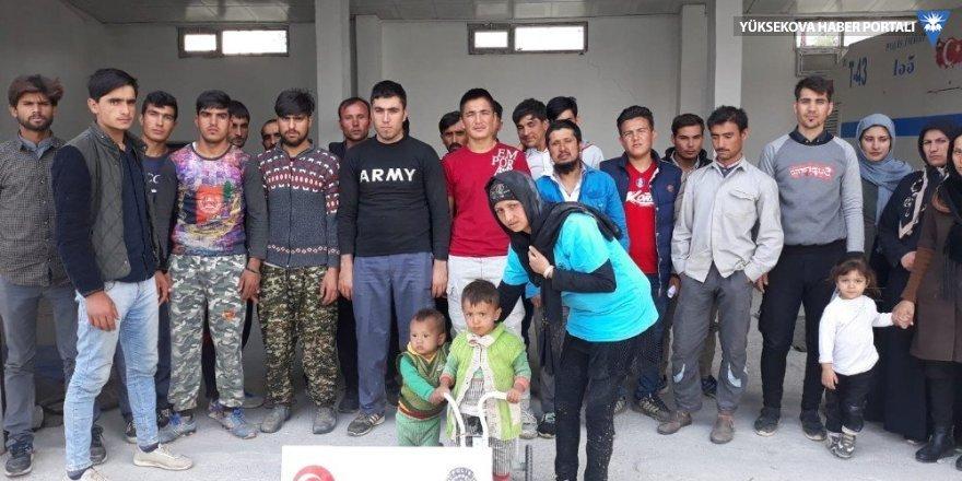 Çaldıran'da 27 kaçak şahıs yakalandı