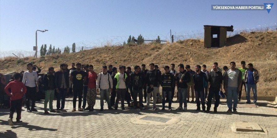 Başkale'de 120 kaçak şahıs yakalandı