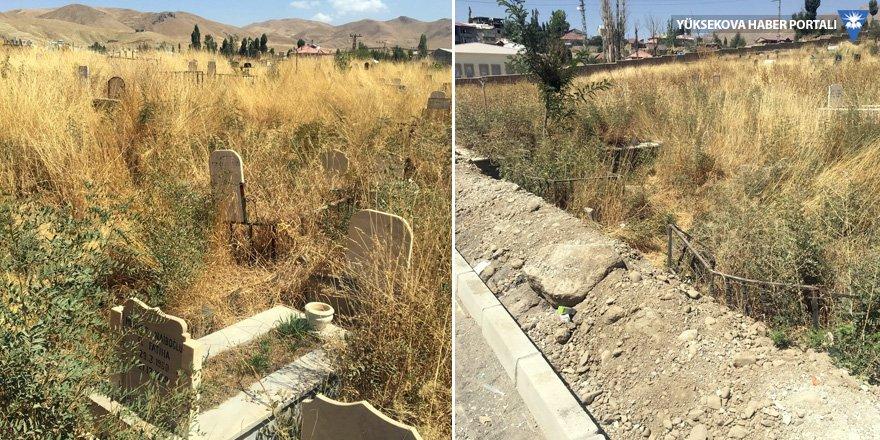 Yüksekova'daki mezarlıklar temizlenmiyor!