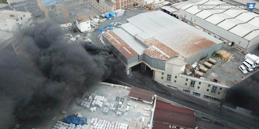 İstanbul'da etiket fabrikasında yangın